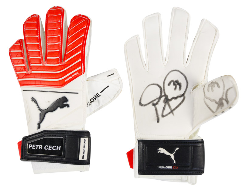 Petr Cech Signed Puma One Grip 17.3 RC Goalkeeper Gloves